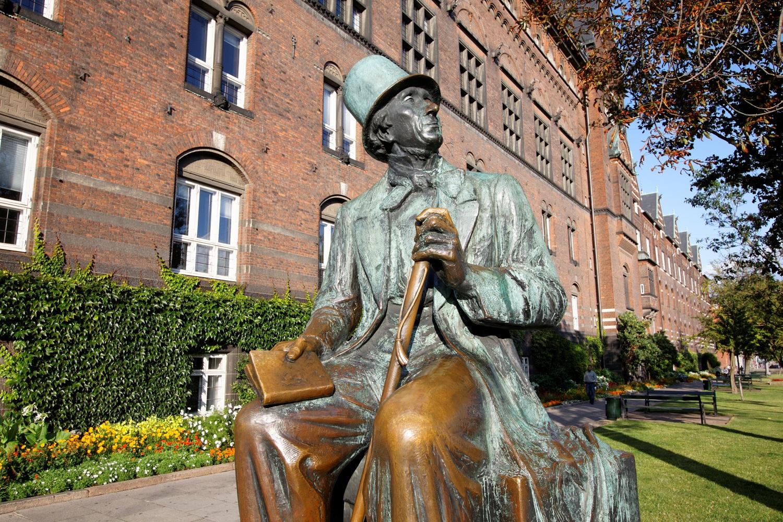 IMG_0118_DxO_raw-DK, Kopenhagen, Rathausplatz, H. C. Andersen